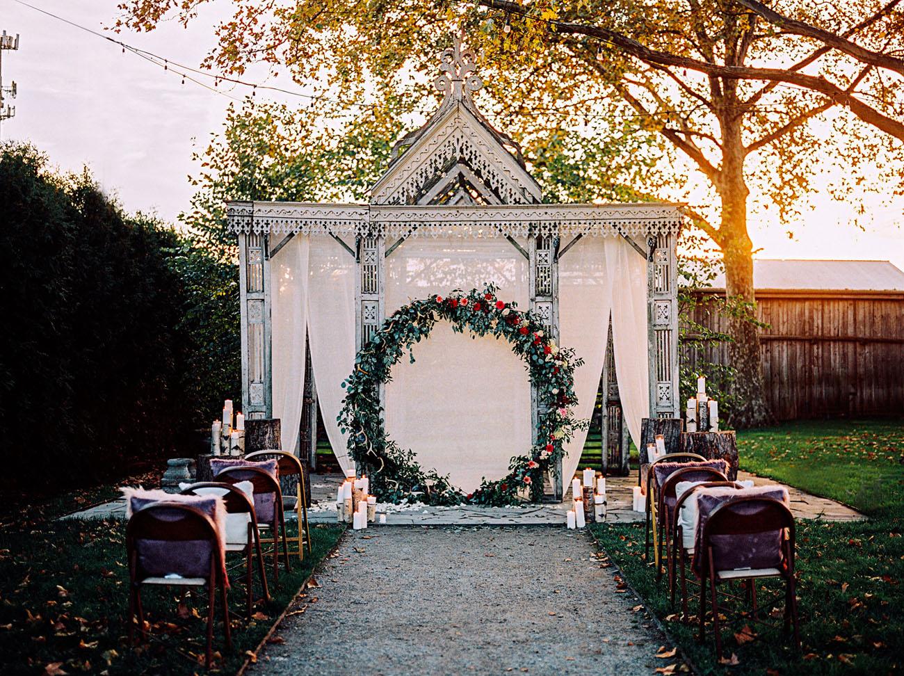 Rustic Winter Elopement Shoot In Rich Colors Weddingomania