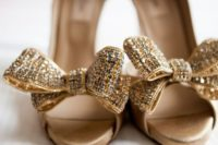 08 glitter gold bow heels