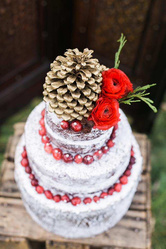 It looks like a tree stump but it's seriusly a dessert