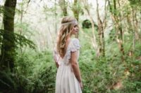 10 V-back wedding dress with beading and a flowy skirt