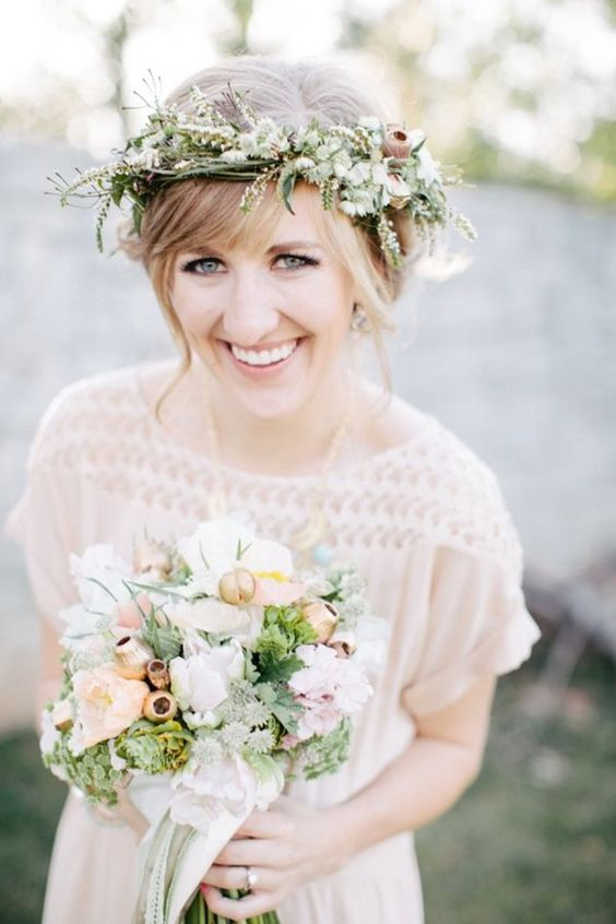 fresh nude makeup looks perfect with a flower crown