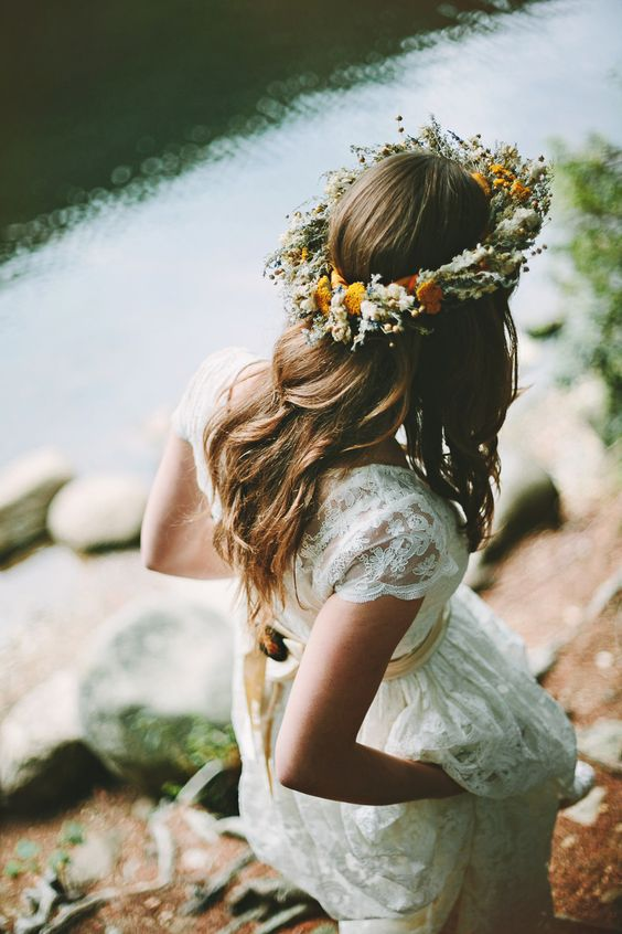 wildflower crowns look cool with lace wedidng dresses