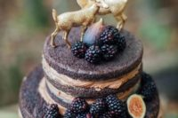 38 naked wedding cake with blackberries and figs