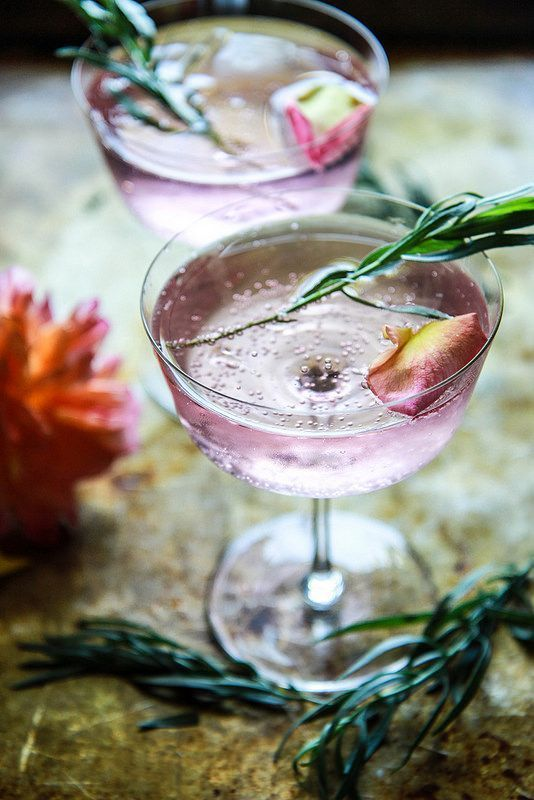 rose and tarragon gin lemonade with petals and rosemary