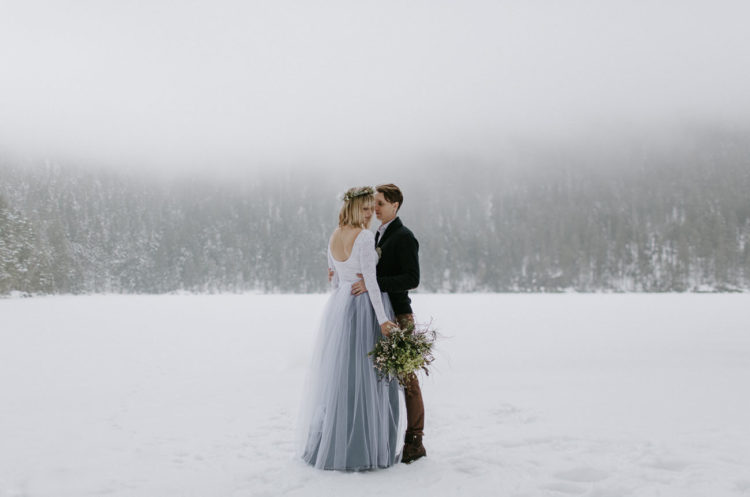 Adorable Secret Wedding In The Snowy Mountains