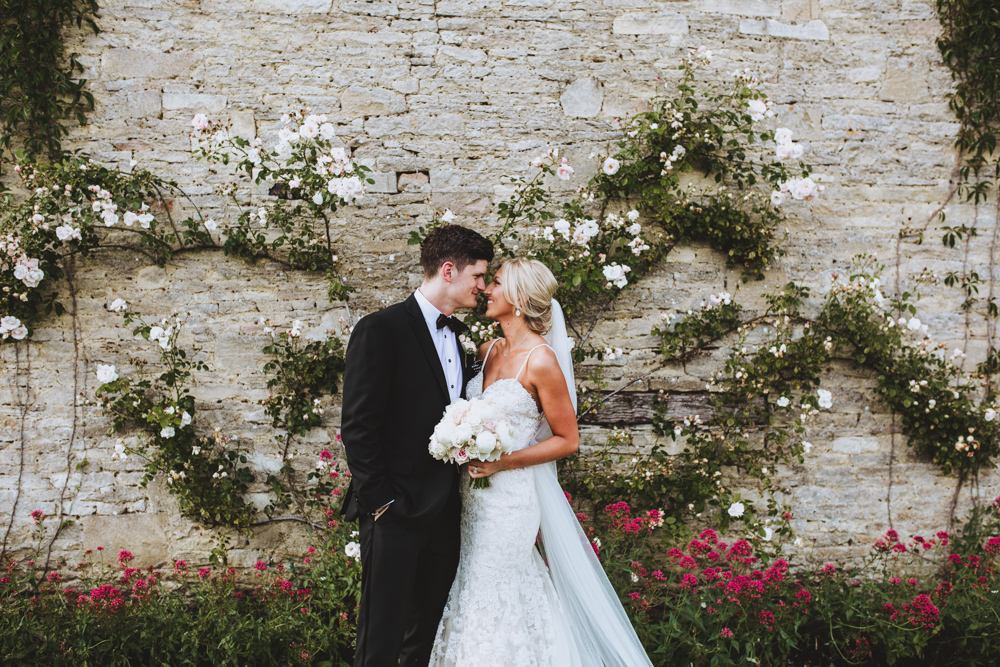 This rustic and glam wedding took place at Caswell House, a stunning stone barn with adorable gardens all around