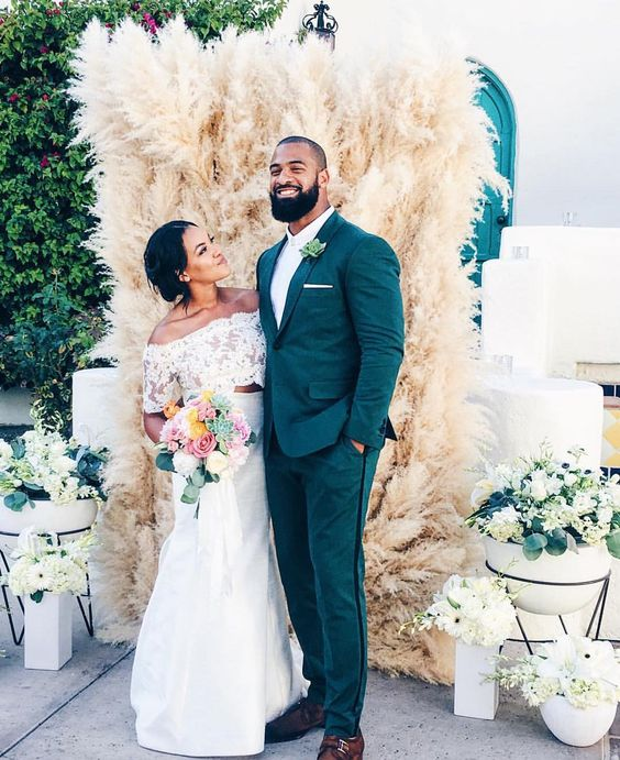 42 Ways To Use Pampas Grass At Your Wedding