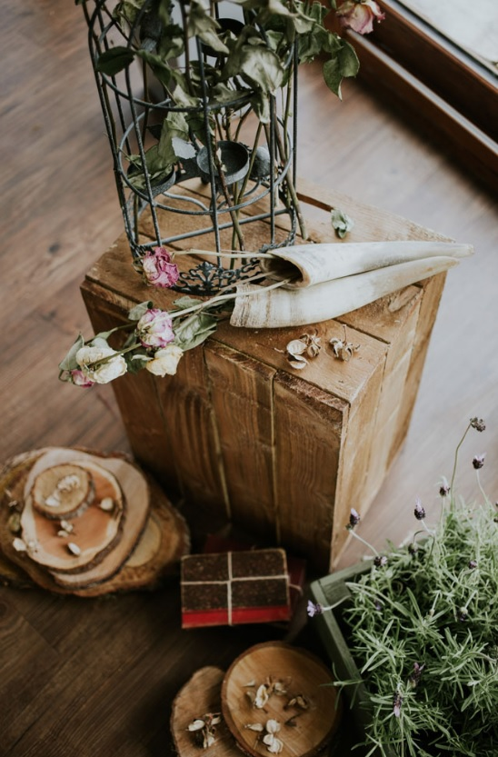 Lots of widlflowers and herbs were used for the wedding decor to make it vintage-inspired and more wild
