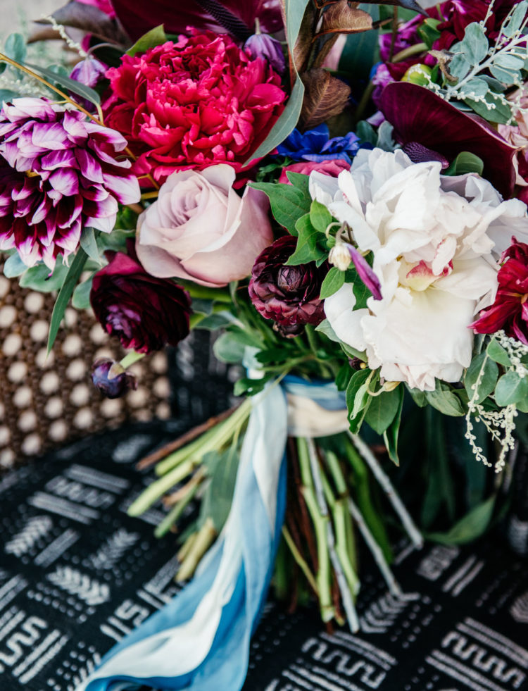 The bridal bouquet was a super bold one, with all vivacious colors and indigo shades, of course
