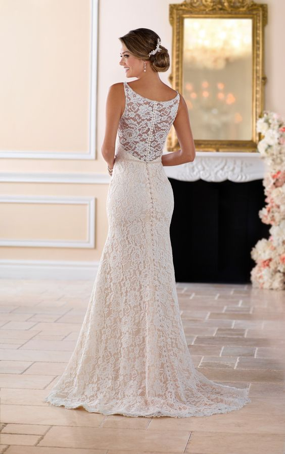 36 Refined Wedding Dresses With A Buttoned Back Weddingomania