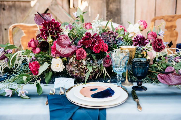 The tablescape really expressed what wild love is, with all these bold shades and a lot of indigo, who could know they work well together