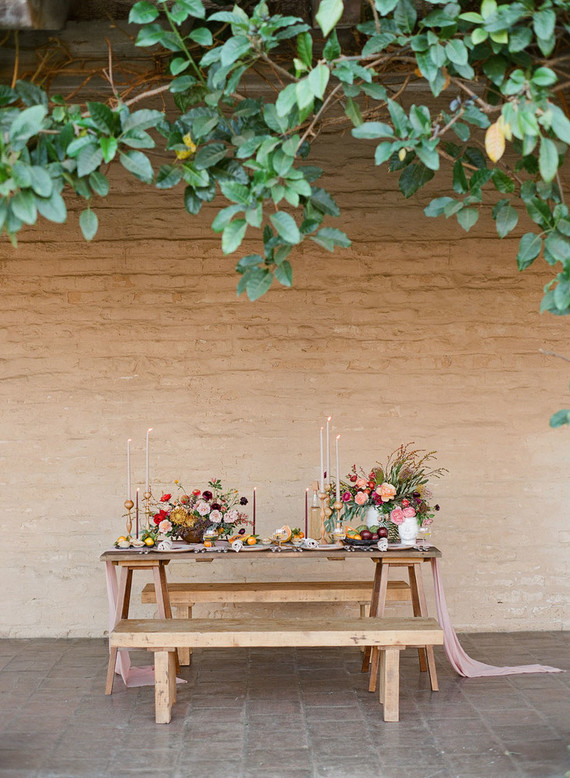 Lots of greenery above and calm beige-colored space are amazing for bold color shoot