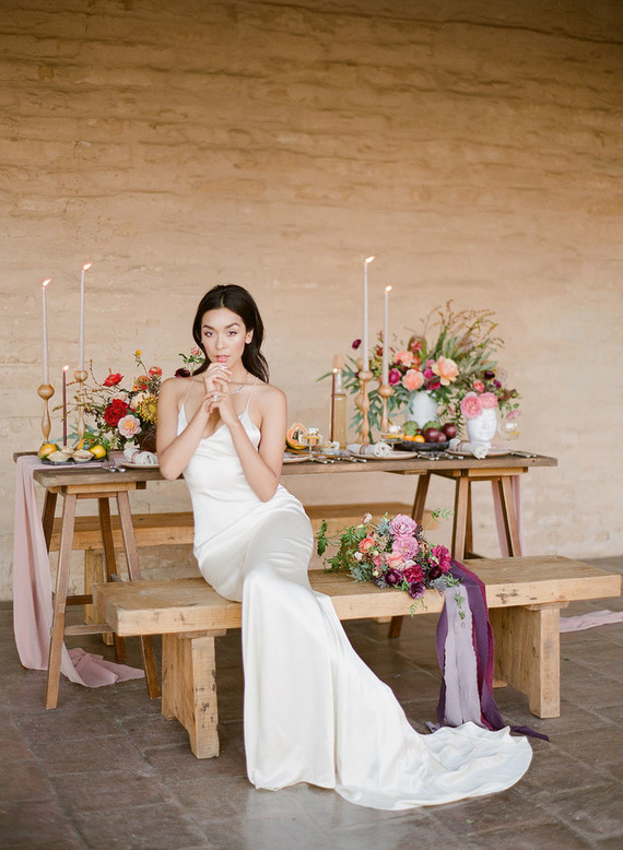 Look how lovely a modern and simple wedding can be and get inspired