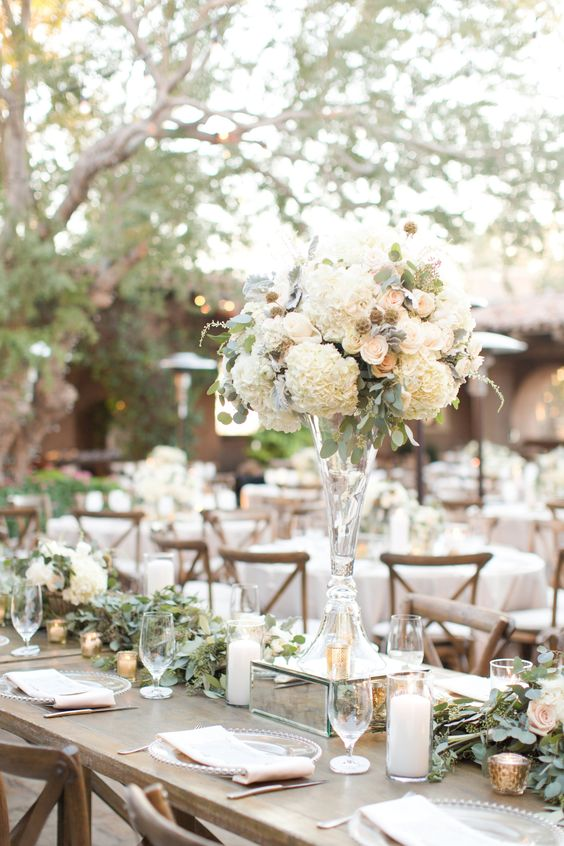 Picture Of country chic wedding decor in a soft neutral color pallete