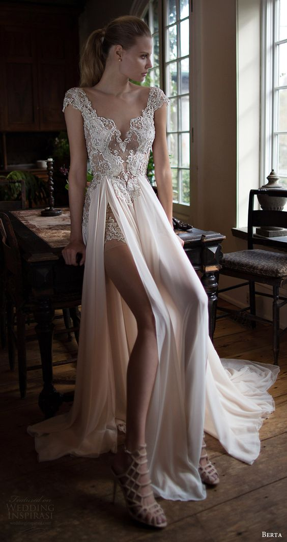 sleeveless sweetheart neckline wedding dress with a slit skirt