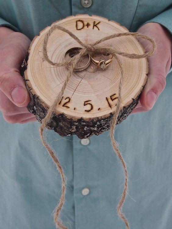 alternative ring dish for a rustic wedding