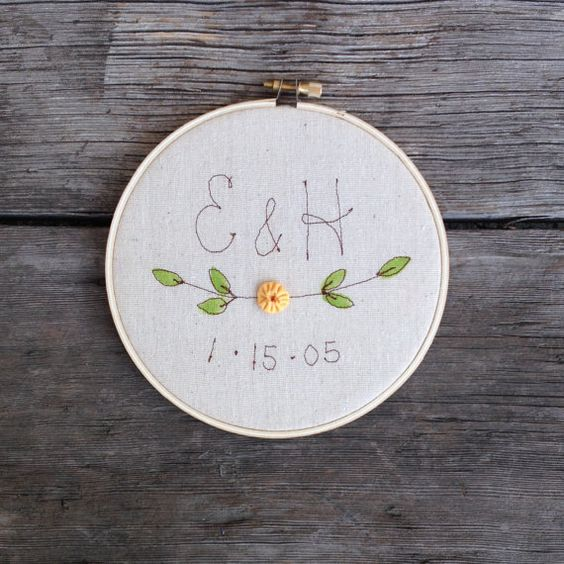 embroidery wedding hoop art as a wedding favor