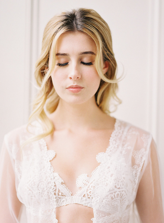 The bride was rocking neutral makeup and rather natural hair, just some curls