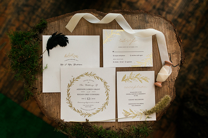 The stationary was made rustic-style, with botanical prints