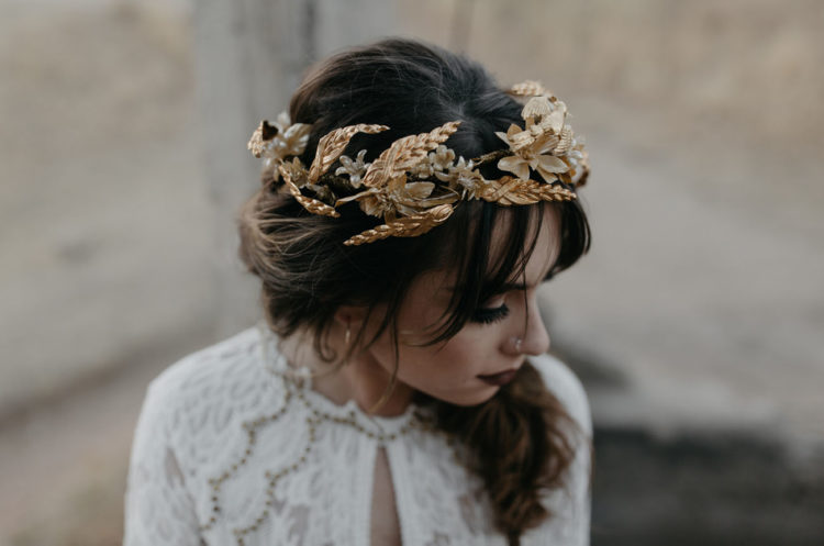 Such a headpiece is ideal for a boho, woodland or just rustic bride