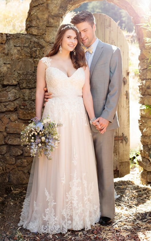 A-line lace sweetheart neckline wedding dress with lace straps