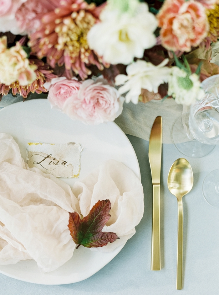 This beautiful shoot is an amazing source of inspiration for fall weddings, enjoy