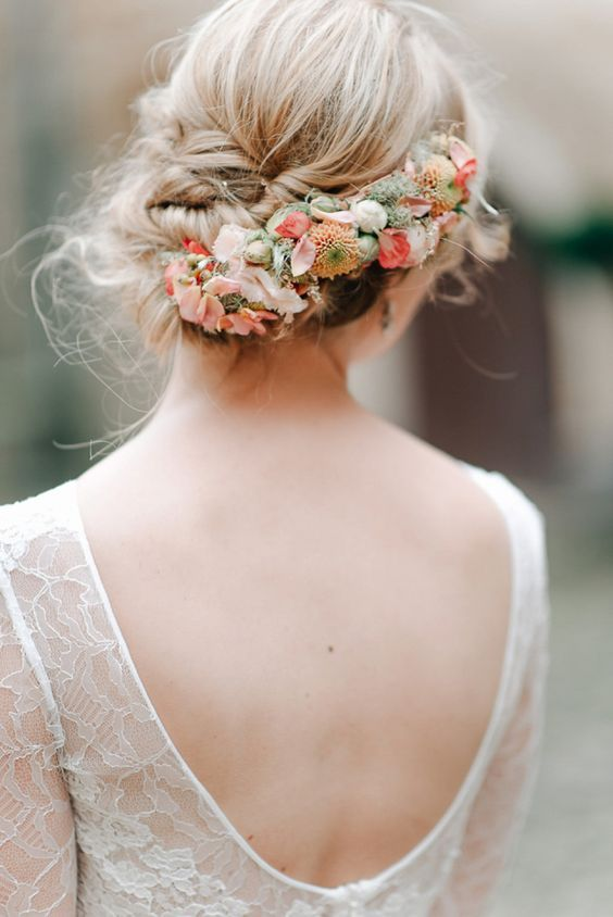 Bridal Updo Flower : Gorgeous wedding hairstyles with fresh flowers