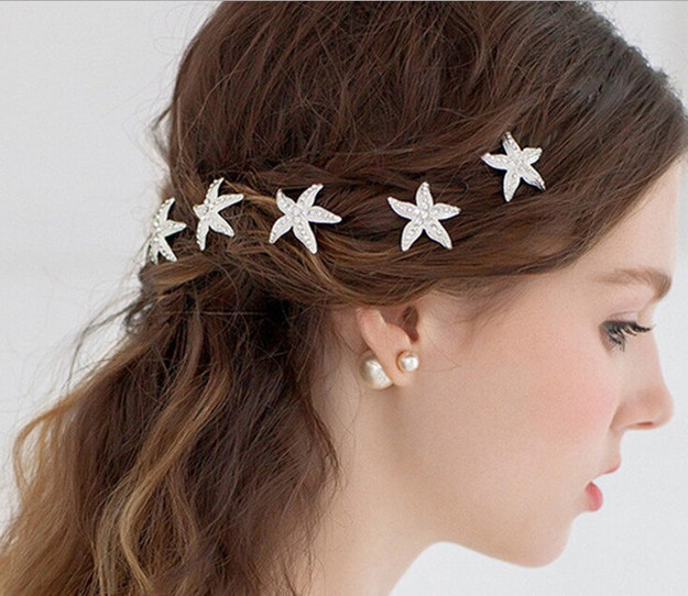 little sparkling star fish to accessorize your hairstyle