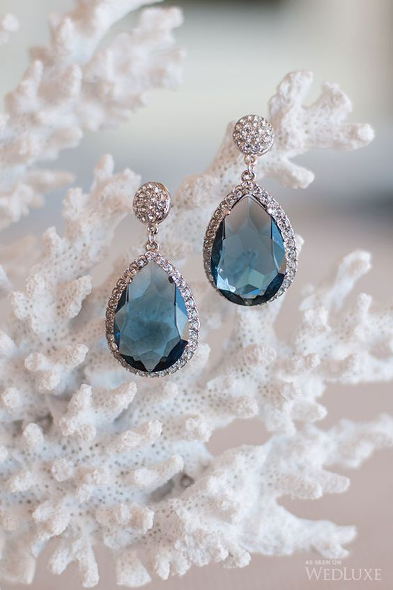 aquamarine drop earrings for a sea-inspired bride