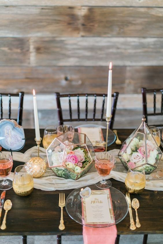 use terrariums of various shapes for decorating your table