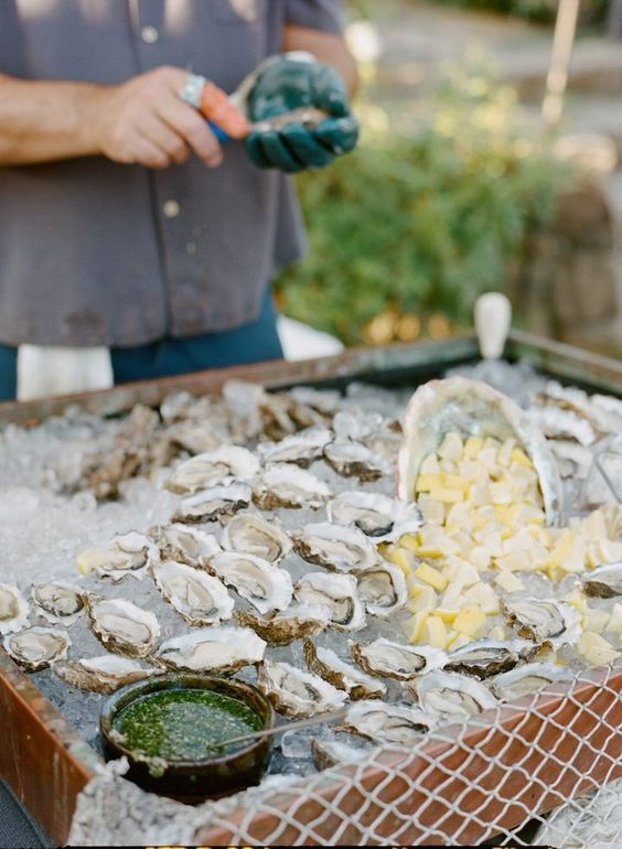 an idea of serving oysters for your guests