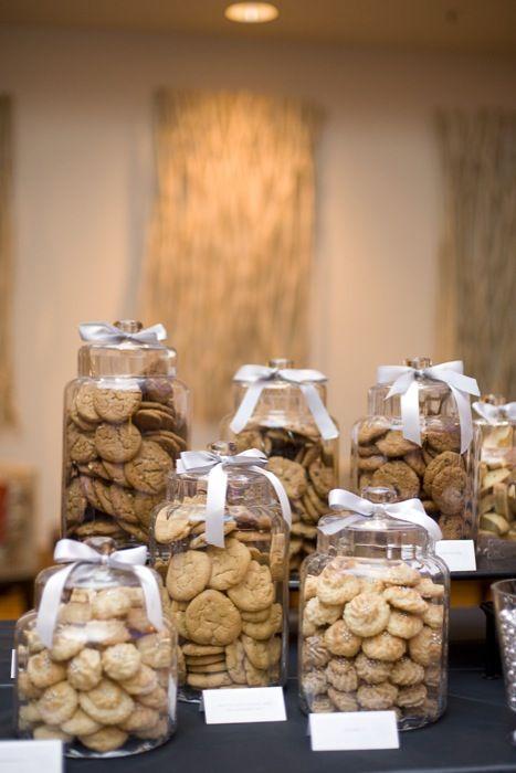 easy way to display your cookies - just use big jars