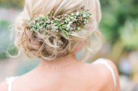 25 messy updo with small fresh blooms looks cute
