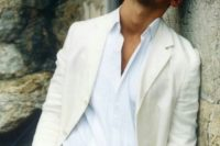 26 an ivory suit with a white shirt for an effortless chic look