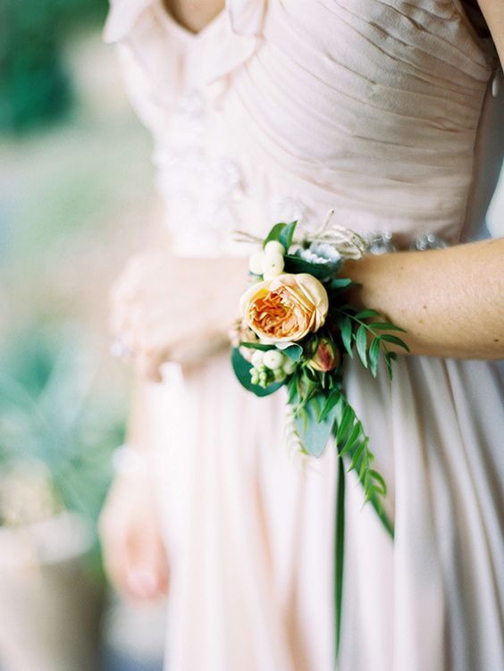 romantic peachy bridesmaid's corsage