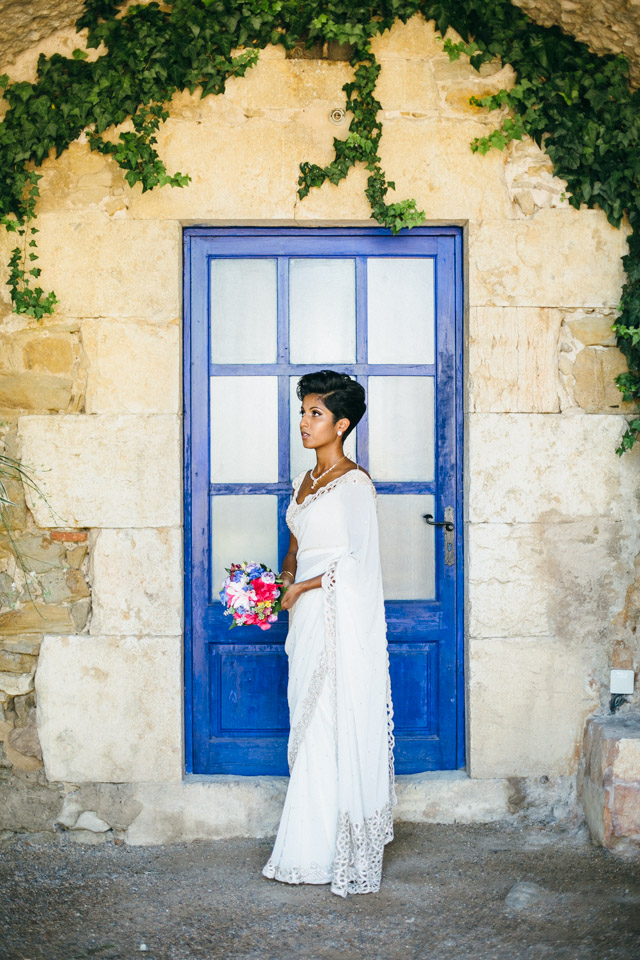 This wedding with a colorful tropical vibe took place at the Costa Brava, Spain