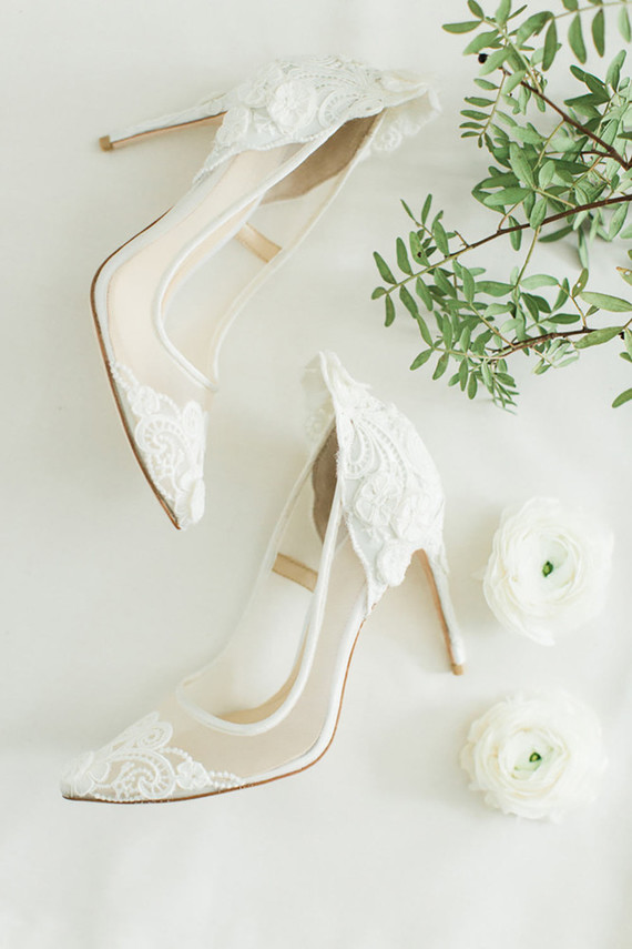 Delicate lace bridal heels look very feminine, more and more brides choose such shoes today