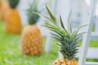 02 pineapple wedding ceremony aisle markers