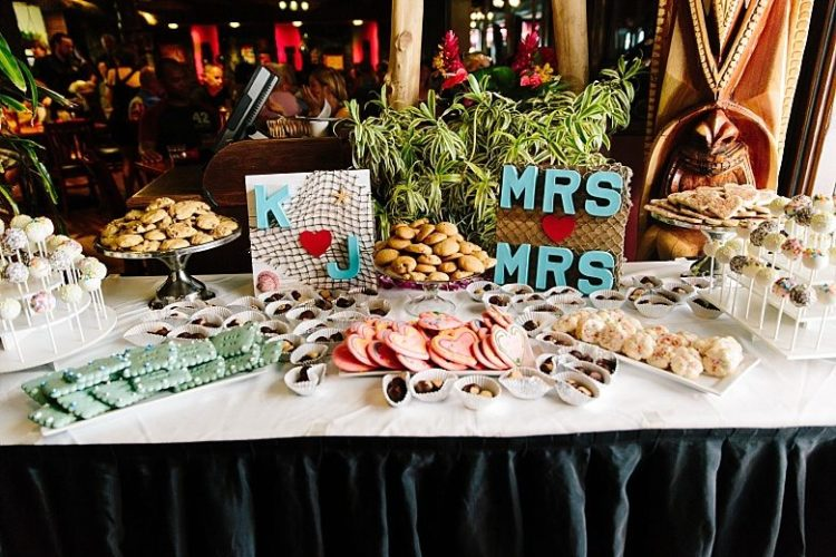 The guests made a part of the cookies and treats to help the couple save the money