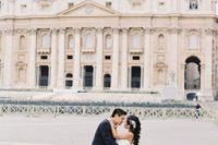 08 piazza San Pietro in Vatican is one of the most famous places to take pics