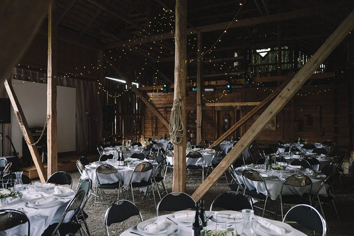 The reception took place in a barn, and the tables were laid like in the best restaurants, with lots of whites