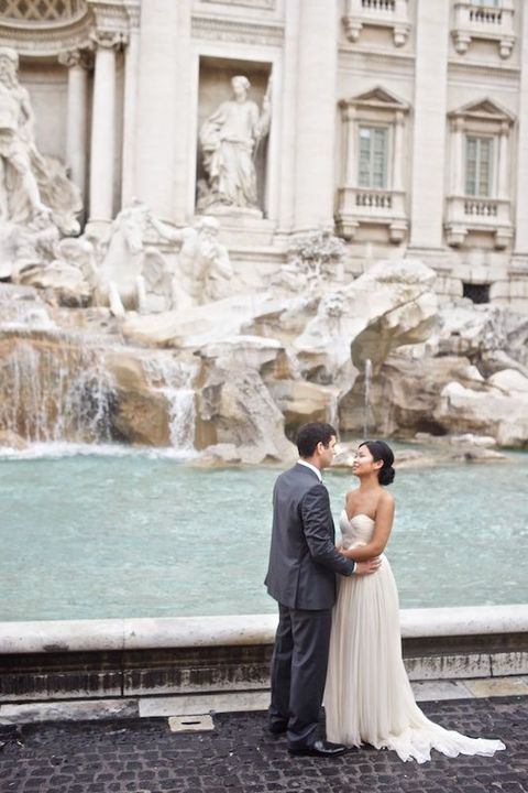 la Fontana di Trevi can be a gorgeous place for memorable pics