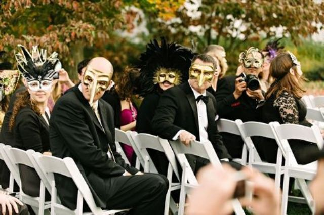 ask your guests to bring masks with them for a great look together