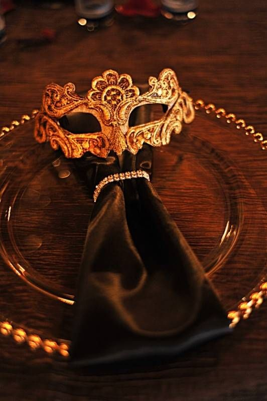 33 Refined And Unique Masquerade Wedding Ideas Weddingomania