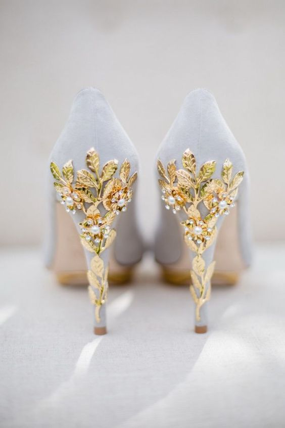 gorgeous gray wedding shoes with gold leaves heels and crystals