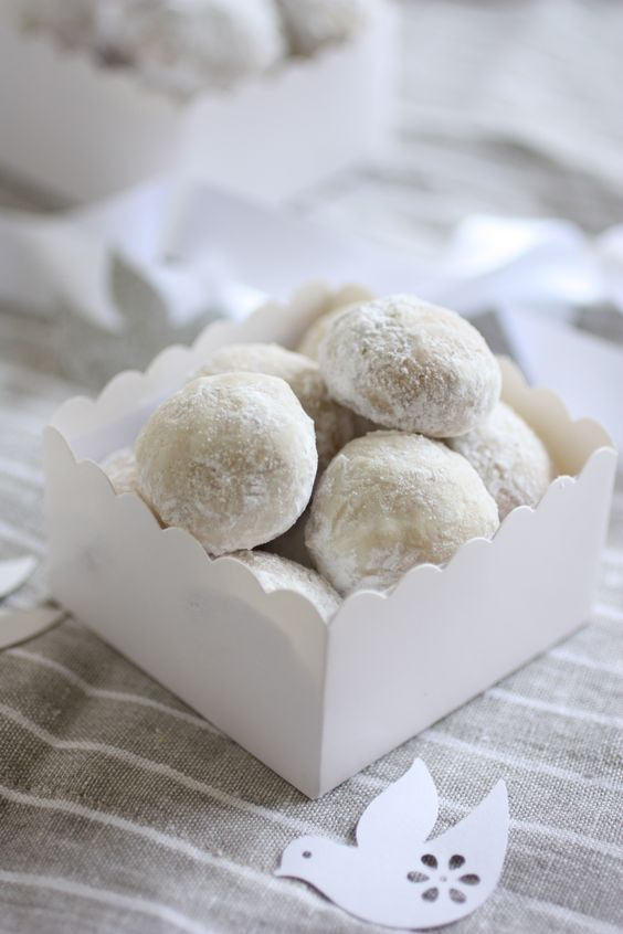 Italian wedding cookies for desserts or instead of a wedding cake