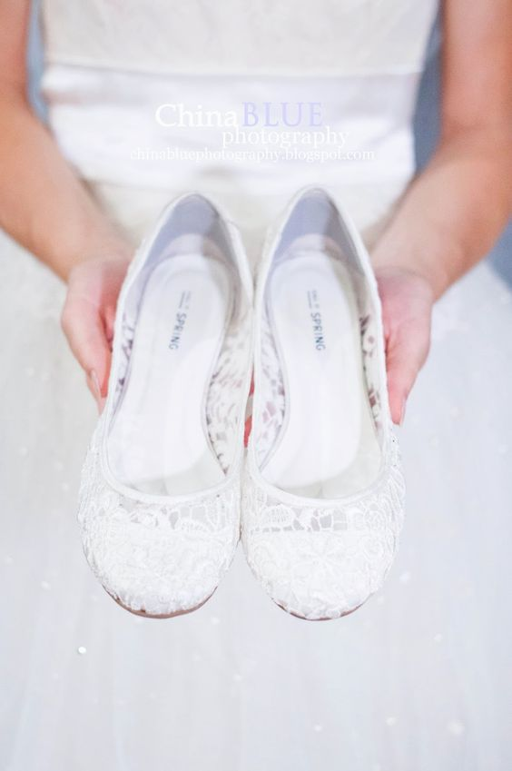 light white lace wedding flats won't make your feet sore and look gorgeous