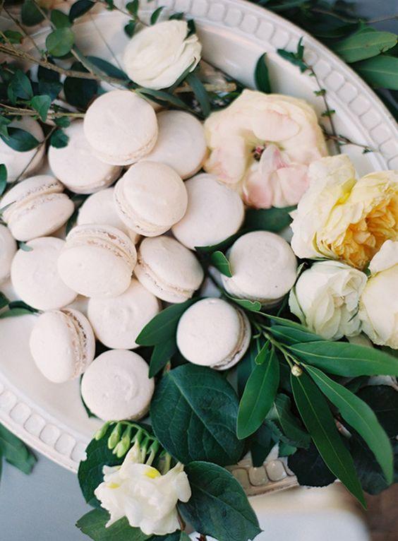 macarons wedding display