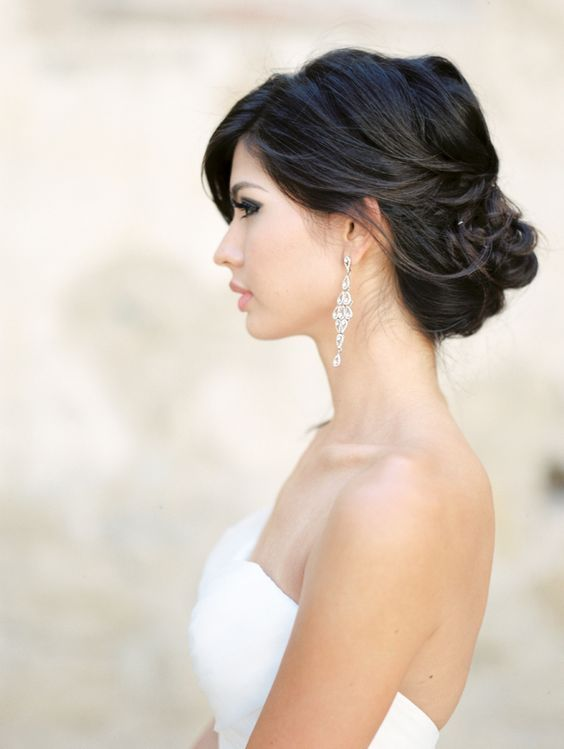 a relaxed chignon hairstyle is a perfect idea