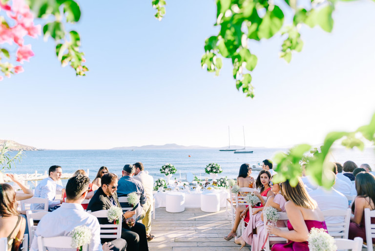What can be better for a wedding than a real sea as a backdrop